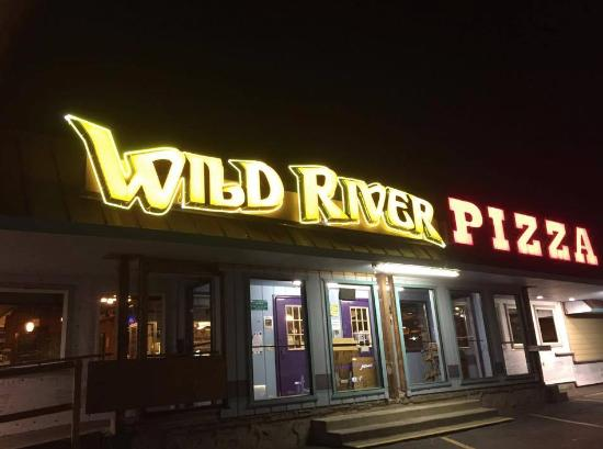 Wild River Pizza: the view from outside - we came late and that was the only open place