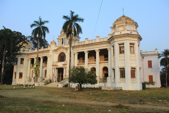 Haldia, Hindistan: The beautiful Rajbari (King's palace) of Mahishadal