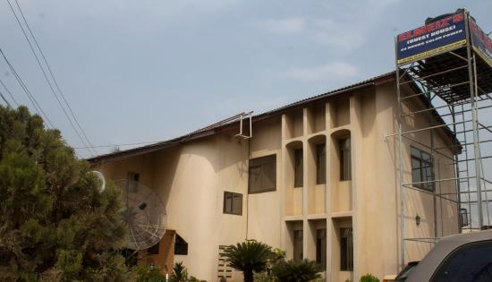 Elmeiz Place Guest House: Exterior