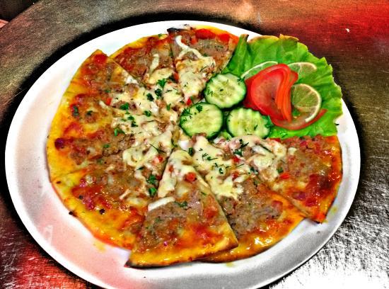 Antalya Kebab: lahmacun