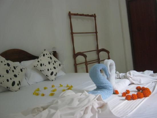 Arcade Beach Hotel: Guest Room
