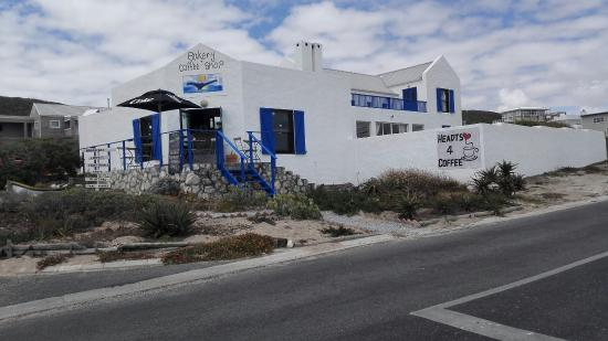 Hearts 4 coffee is a quaint coffee shop that overlooks the ocean in Yzerfontein