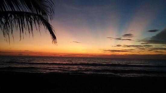 Arcade Beach Hotel: Sun Set