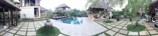 Padang Padang Surf Camp: photo9.jpg