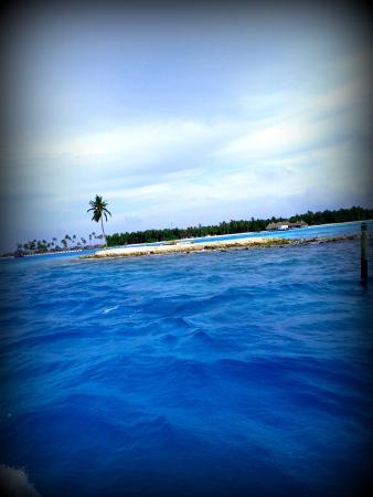 Kanbili Guest House: Entering Himmafushi