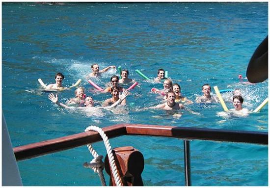 Popai Daily Cruises