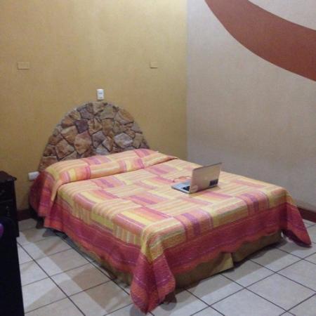 San Rafael, Κόστα Ρίκα: La habitación donde me alojé estaba genial con baño estupendo también y cama muy cómoda