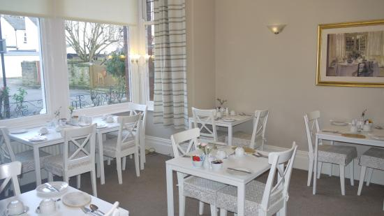 Acorn Lodge Harrogate: Bright and Airy Dining Room