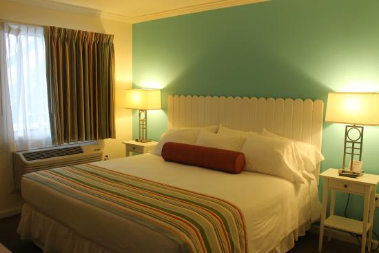 BeachWalk at Sea Bright : Our Standard King Room
