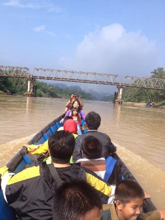 Hulu Kuantan, Indonesia: Perjalanan menuju air terjun batang koban