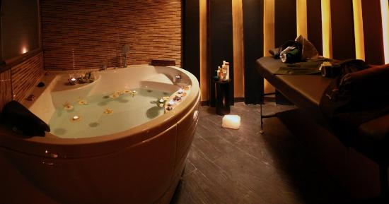เอสฟาฮาน, อิหร่าน: yana massage spa isfahan city center \ third floor.......