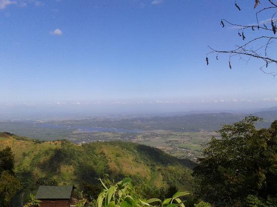 Villas Las Neblinas: View of El Cibao Valley, on the road to Constanza