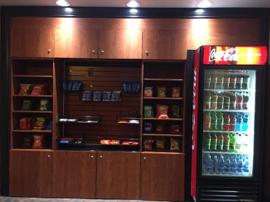 La Quinta Inn & Suites Columbus West - Hilliard: Sundry Shop