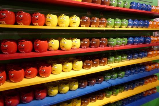 M&M's World - cups - Picture of M&M'S World Las Vegas, Las Vegas ...