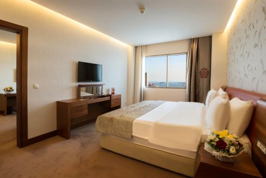 Ramada Hotel and Suites Istanbul Atakoy: Room View Executive Suite