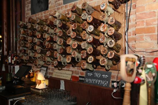 Бруклин, Мичиган: Mug Club at Shady's Tap Room