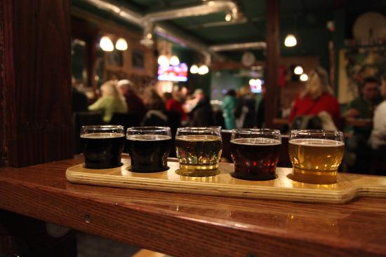 Бруклин, Мичиган: Beer Flight at Shady's Tap Room