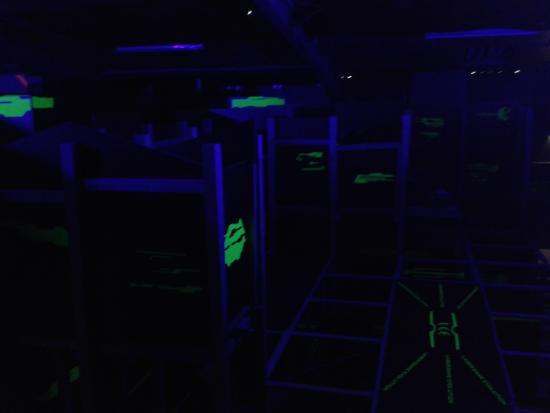 Laser Game Evolution Saint Nazaire: 3 zones de jeu avec étages