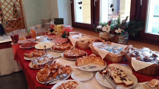 Chiesa, Itália: colazione ottima e super abbondante