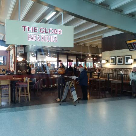The Globe Bar U0026 Kitchen: The Globe