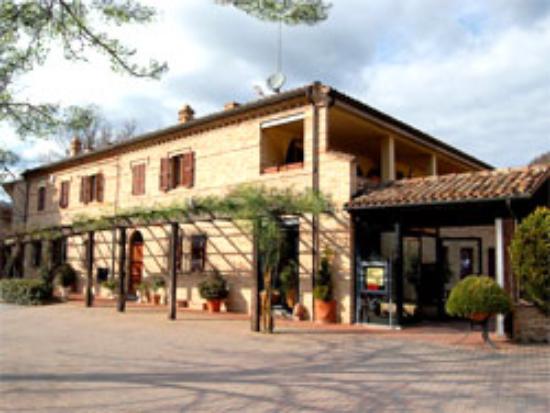 Sarnano, Italien: Edificio
