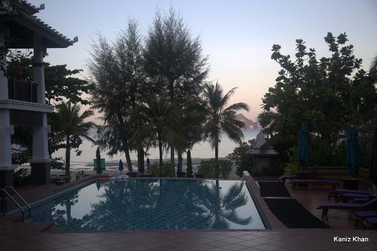 Anyavee Tubkaek Beach Resort: Pool of the hotel