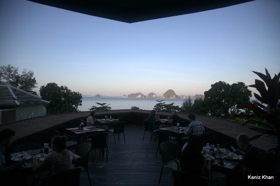 Anyavee Tubkaek Beach Resort: View from Breakfast Deck