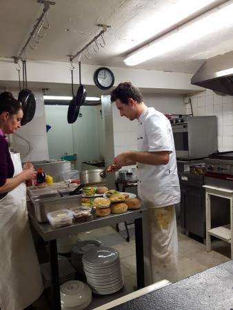 Cuisinier en action photo de le jess restaurant miramas for Cuisinier 68