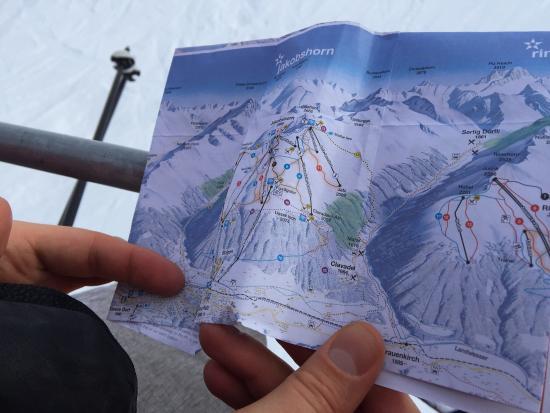 Davos Platz, Suisse : Top Secret Ski and Snowboard Company