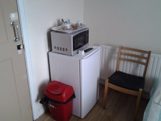 Dowlais, UK: each room has fridge and microwave