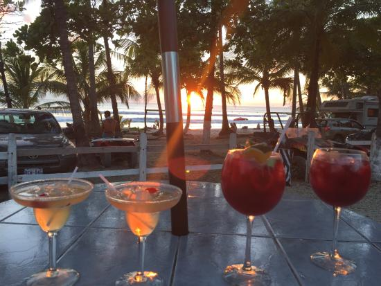 Restaurant Pizzeria Playa Carmen : Happy hour by the beach
