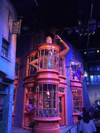 Warner Bros. Studio Tour London - The Making of Harry Potter : photo1.jpg