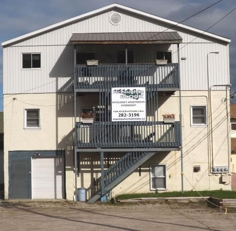 Gore Bay, Kanada: Apartment Front from Phipps Street