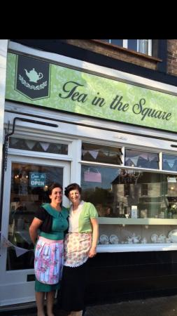 Angmering, UK: Tea In The Square