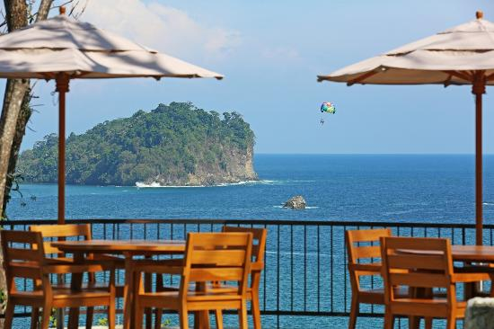 Arenas del Mar Beachfront and Rainforest Resort, Manuel Antonio, Costa Rica: A view from the Mirador restaurant