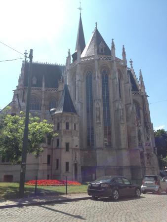 Une vue de l'église de Notre Dame du Sablon. Architecture vraiment somptueuse !
