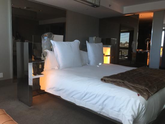 SLS Hotel at Beverly Hills: photo2.jpg