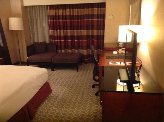 Hilton Boston Logan Airport: Room