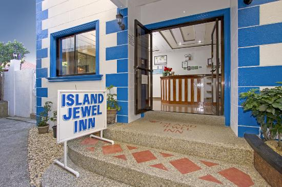 Island Jewel Inn: Front