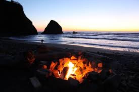 Arch Cape, Орегон: Nice bon fire