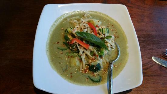 THE GREEN MANGO THAI BISTRO: Green curry