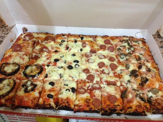 Taglio di Po, Italia: Pizze a mezzo metro