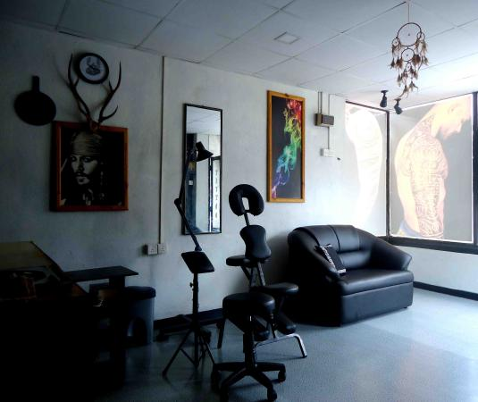 Tattoo Shop Interior Picture Of West Coast Tattoo Studio