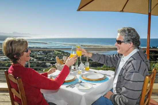 La Vista Lodge: The best breakfast in Plett!