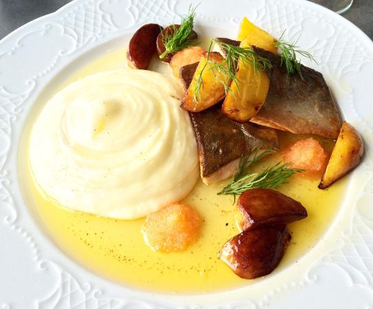 Hudiksvall, Sverige: Our fish dishes, both excellent