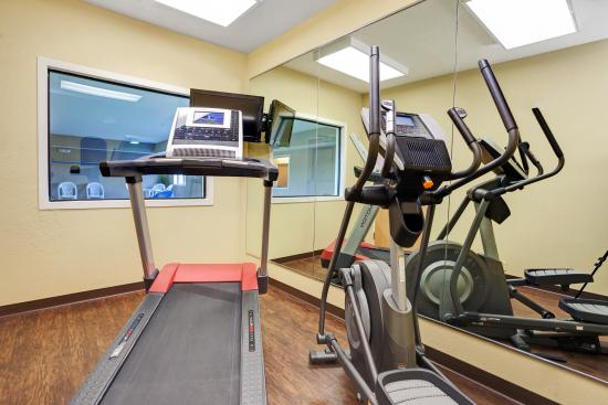 Paw Paw, MI: Fitness Center