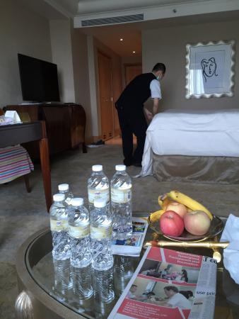 Hotel Mulia Senayan, Jakarta: Housekeeping doing a good job