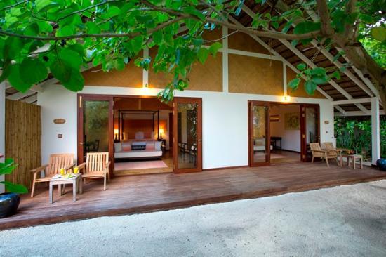 Raa Atoll: Family Villa