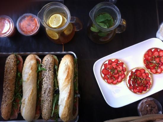 Un Dejeuner Des Thes : Un déjeuner type