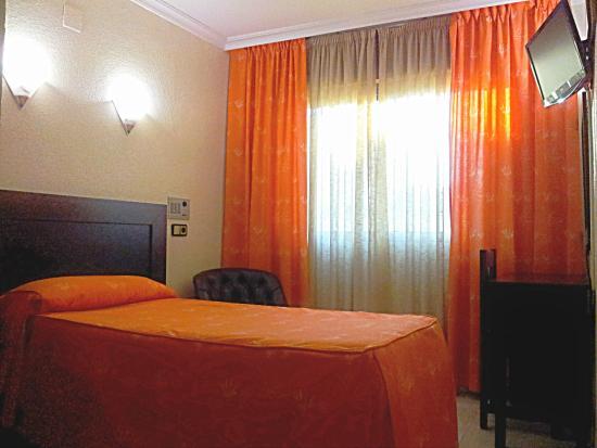 HOTEL AVERROES: HABITACION INDIVIDUAL